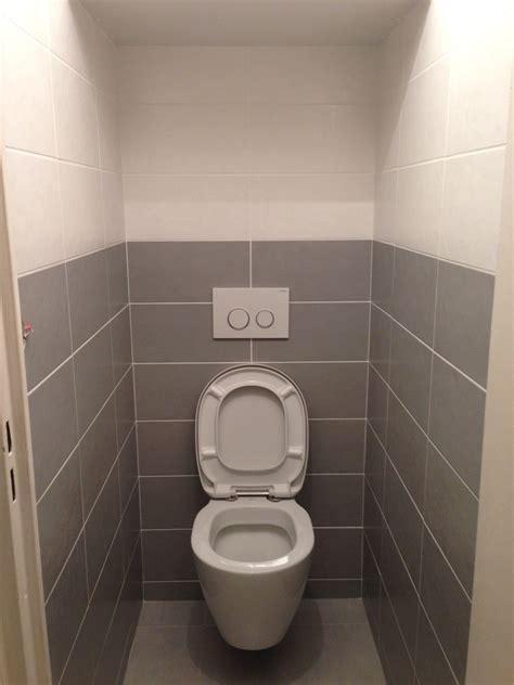 idee deco wc carrelage carreler toilette avec poser du carrelage mural dans les wc sur decoration dinterieur idees img