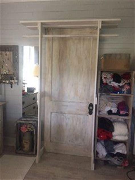 hometalk  standing closet     door