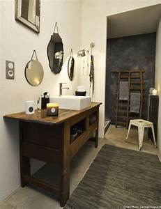 Meuble Salle De Bain Vintage : salle de bains 20 id es pour am nager et d corer les grandes salles de bains ~ Teatrodelosmanantiales.com Idées de Décoration