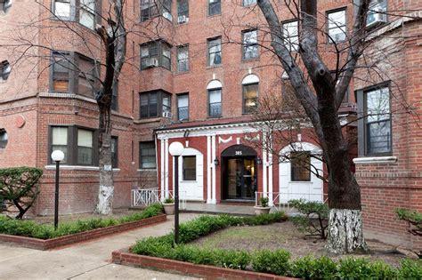 385 East 18th Street #1B, Ditmas Park, Brooklyn, NY 11226