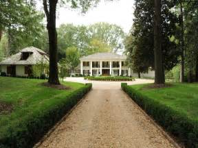 Antebellum Style House Photo by Impeccable Plantation Style Estate