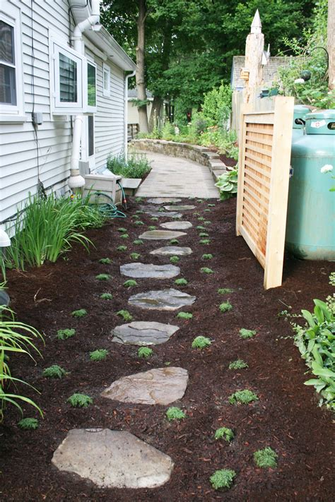 Artistic-Landscapes.com Blog » Stepping Stones and Perennials
