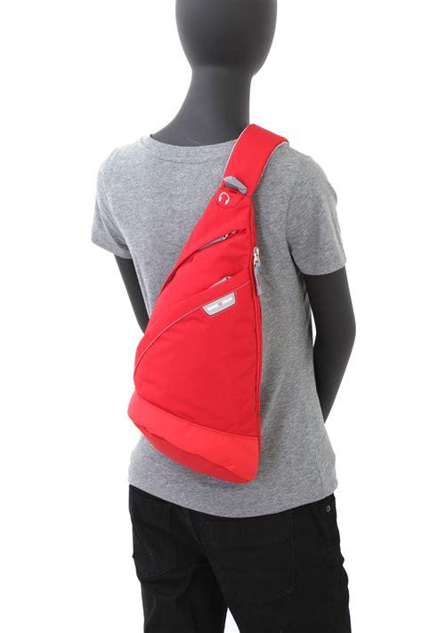 swissgear triangle sling bag red