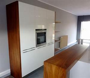 cuisine bois et blanc brillantplan de travail corian With cuisine en noyer et blanc