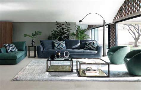 sofa verde y naranja decorar en verde azul y naranja