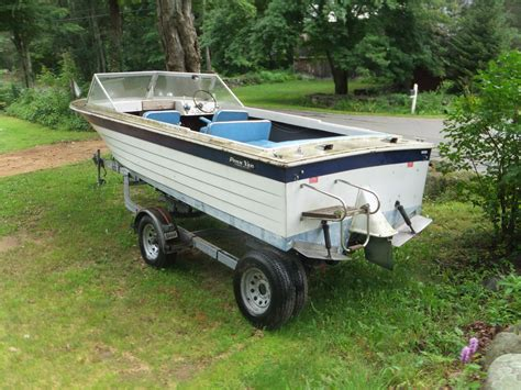 Pictures Of Cuddy Cabin Boats by Penn Yan Tunnel Drive Cuddy Cabin 1979 For Sale For 1 500