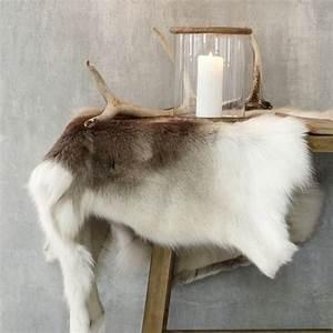 Tapis Fourrure Gris : les 25 meilleures id es de la cat gorie tapis de fourrure sur pinterest d cor de fourrure ~ Teatrodelosmanantiales.com Idées de Décoration