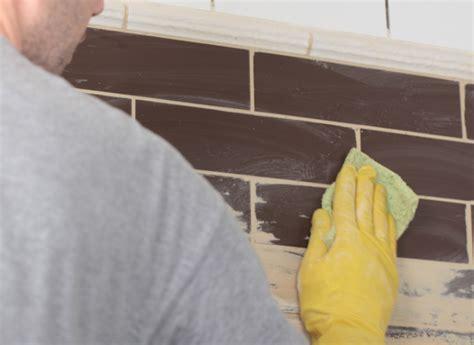nettoyer un carrelage apr 232 s pose de joint tout pratique