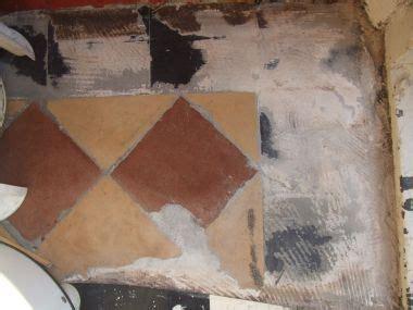 hoe krijg je cement tegels cement op oude tegelvloer