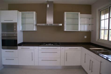 que faire contre les moucherons dans la cuisine couleur des murs avec un lino jaune forum déco et maison