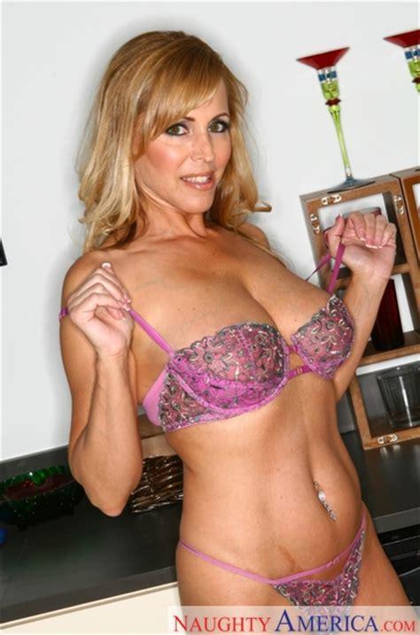 Nicole Moore & Charles Dera in Naughty America - Naughty America HD Porn Videos