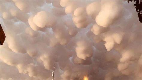 viral fenomena awan mammatus  langit irak berbentuk