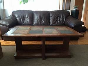 Coffee table and 2 matching end tables victoria city victoria for Matching coffee table and side table