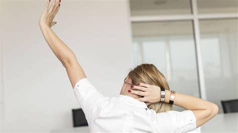 exercice au bureau 7 exercices à faire au bureau pour garder la forme