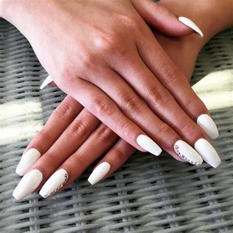 bold  stylish elegant long white coffin nail ideas