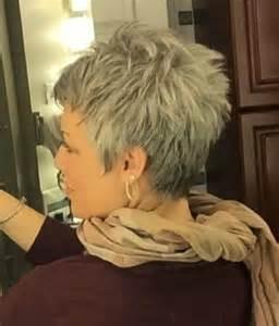 Die 25 Besten Ideen Zu Kurzhaarschnitt Frauen Auf Pinterest Kurze Haare Stylen Frauen