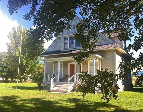 Gorgeous 1880s House by Fully Restored 1880s House In A Country