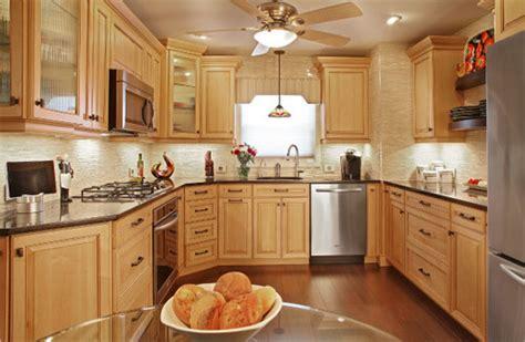 maple kitchen cabinets with quartz countertops quartz countertops with natural maple cabinets