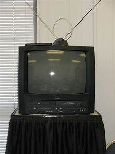 Tv Dvd Vcr Combination 19in