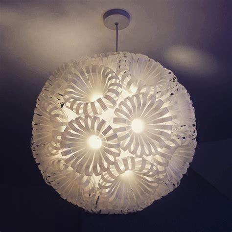 lustre en gobelet plastique maison design jiphouse