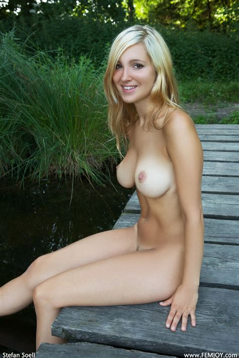 Beautiful Nude Girl Naked Girls