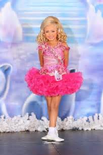 20156 Pretty Fushia Organza Toddler Girls Pageant Dresses Spaghetti Beaded Crystals Ruffles Lovely Hot Tiered Girls Formal Dresses