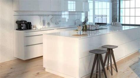 cuisine parquet revêtement cuisine sol murs crédence carrelage béton