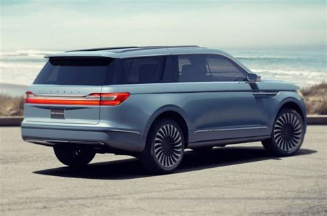 Ford Navigator 2020 by 2020 Lincoln Navigator Rear Ford Tips