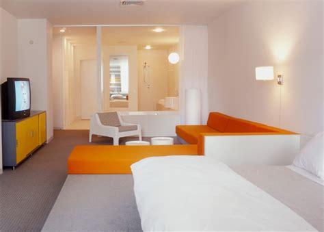 quelles couleurs pour une chambre comment peindre une chambre en deux couleurs chambre