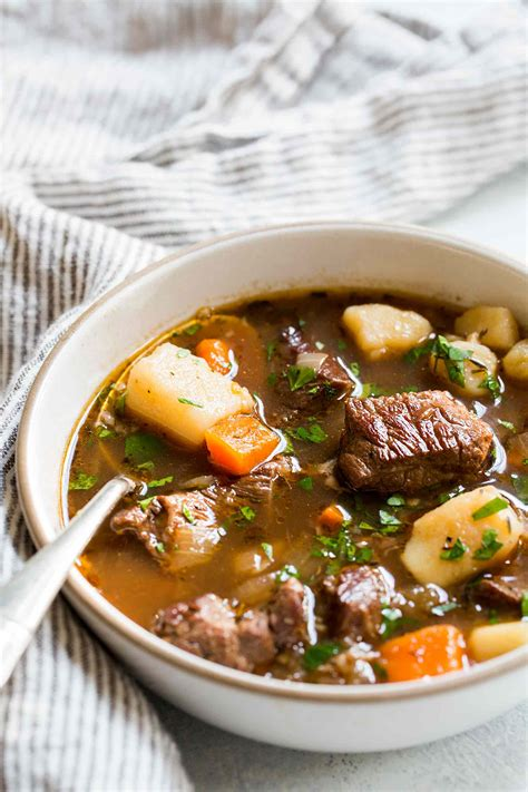 Irish Beef Stew Recipe (with Video) Simplyrecipescom