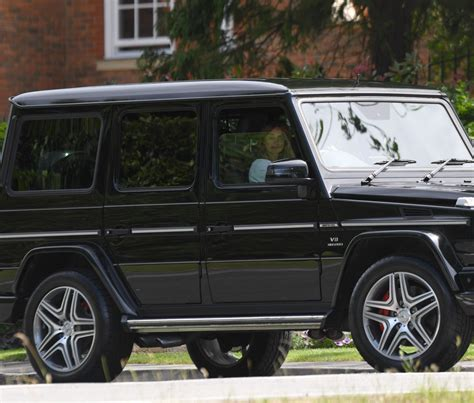 mercedes g wagon louise redknapp driving her mercedes g wagon out and about