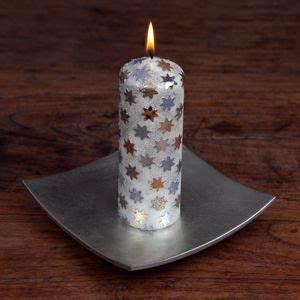 Kerzen Verzieren Weihnachten : weihnachtsdekoration kerze verzieren kostenlose bastelanleitung diy bastelideen weihnachten ~ Eleganceandgraceweddings.com Haus und Dekorationen