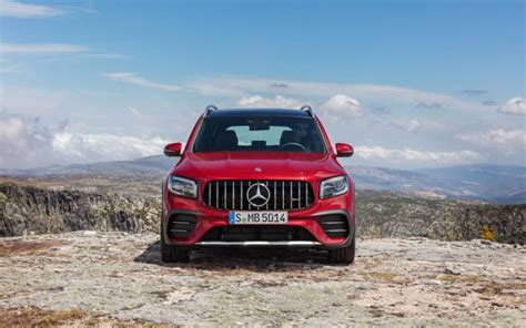 To recap, the amg model with the new glb 35 4matic we are extending our product portfolio by adding a highly attractive. Mercedes-AMG GLB 35 4MATIC 2020 | SUV Drive