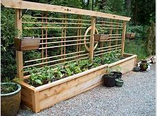 30+ Ideas for Raised Garden Beds Upcycle Art