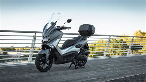 Nmax 2018 Accessories by Nmax 125 2017 Accessories Scooters Yamaha Motor Uk