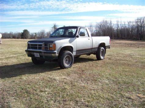 purchase   dodge dakota wd runs  good truck
