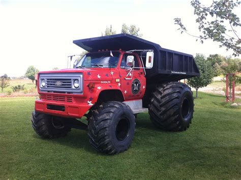 How Radical This Chevy Dump Truck Fitted With
