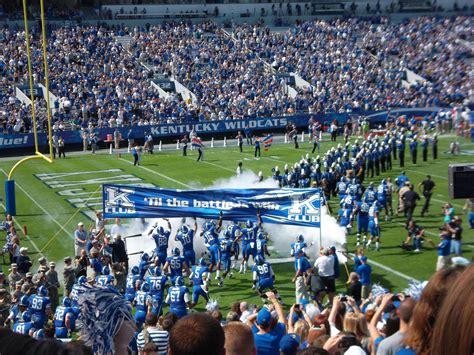 18+ Wildcats Kentucky Football  News