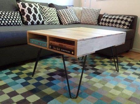 customiser un bureau en bois customiser une table basse en palettes avec des pieds