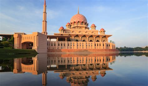 Poison Apple Top 10 Most Beautiful Floating Mosques In