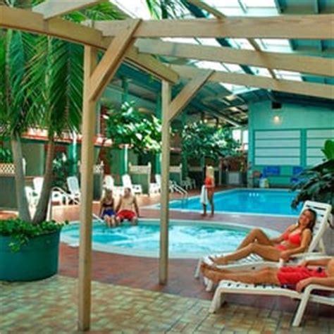 comfort suites niagara falls canada comfort inn clifton hill closed new 13 reviews