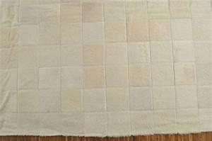 Kuhfell Teppich Weiß : kuhfell teppich creme weiss 200 x 200 cm kuhfelle online ~ Frokenaadalensverden.com Haus und Dekorationen