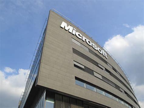 Recent happenings of Microsoft Corporation (NASDAQ:MSFT)