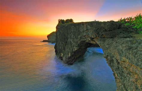 nusa penida surga wisata  ujung tenggara pulau dewata