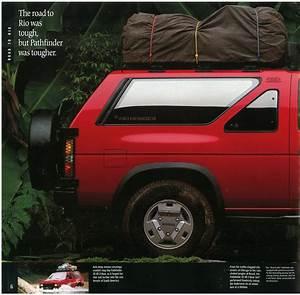 1990 Nissan Pathfinder Dealer Brochure