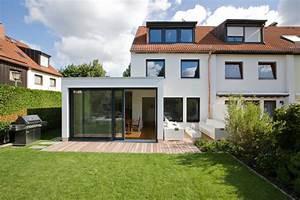 Moderne Innenarchitektur Einfamilienhaus : reihenhaus l modern haus fassade other metro von ~ Lizthompson.info Haus und Dekorationen