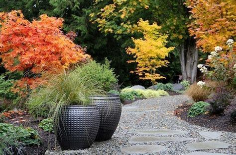 Einen Gartenweg Selber Anlegen by Gartenwege Gestalten Wie Bauen Wir Einen Steinpfad
