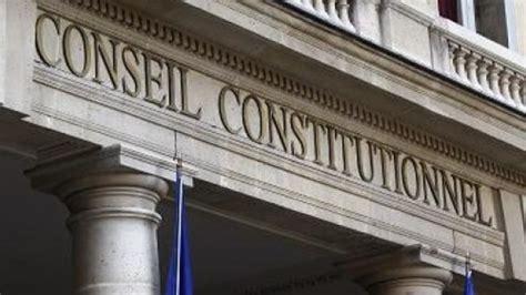 qui si鑒e au conseil constitutionnel la qpc sur la liberté de conscience des maires reportée par le conseil constitutionnel senat