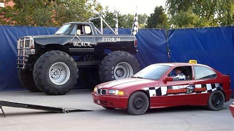 youtube monster truck show monster truck show v hulíně 23 9 2016 youtube