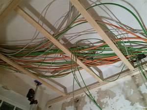 Kabelkanal Boden Flach : kabel in wand verlegen kabel richtig verlegen von der blanken wand bis zur verputzten steckdose ~ Markanthonyermac.com Haus und Dekorationen